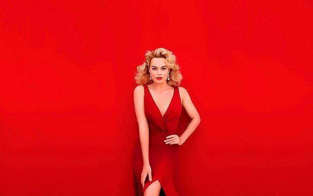 1. Margot Robbie'nin sarı saçları ve kırmızı renk elbisesinin uyumuna aşık olduk. 💛