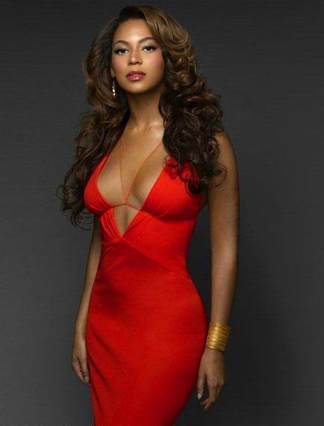 5. Beyonce ve elbisenin uyumuna 10 üzerinden 10 veriyoruz. 👍