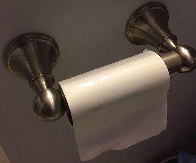 4. Tuvalet kağıdı bitince yerine tüy toplayıcı koyan eşten daha sevimlisi olamaz arkadaş!