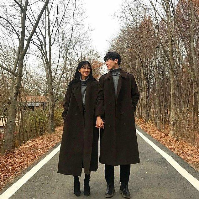 9. Koreli çiftler sık sık benzer giysiler giyer, hatta birçok mağaza bu yüzden benzer kadın erkek kreasyonları satar.