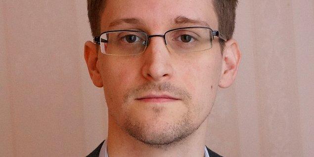 10. Edward Snowden aslında öfkeli bir internet yorumcusudur...