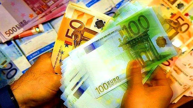 💶 Euro/TL ise gün içinde 5,12'nin üzerini gördü.