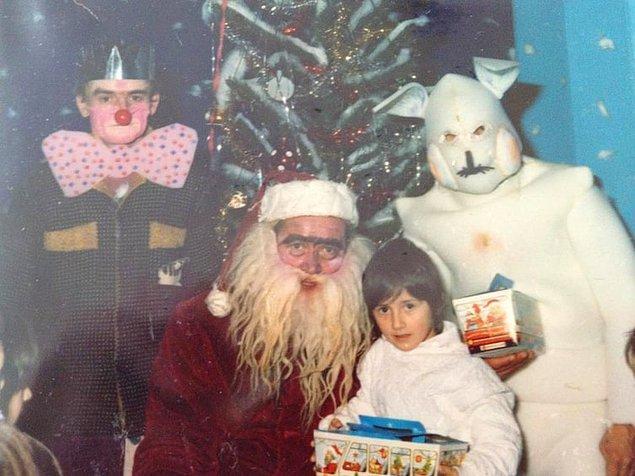18. Noel fotoğraflarının mutlu, eğlenceli ve renkli olması gerekmiyor muydu?