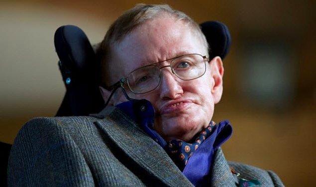 8. Stephen Hawking düzenli bir seks klübü ziyaretçisiydi