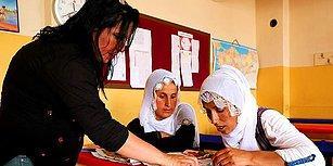 Okul Her Yerdir! Ülkü Öğretmen 'Onlar Gelemiyorsa Ben Onlara Giderim' Diyerek Kadınları Okuryazar Yaptı