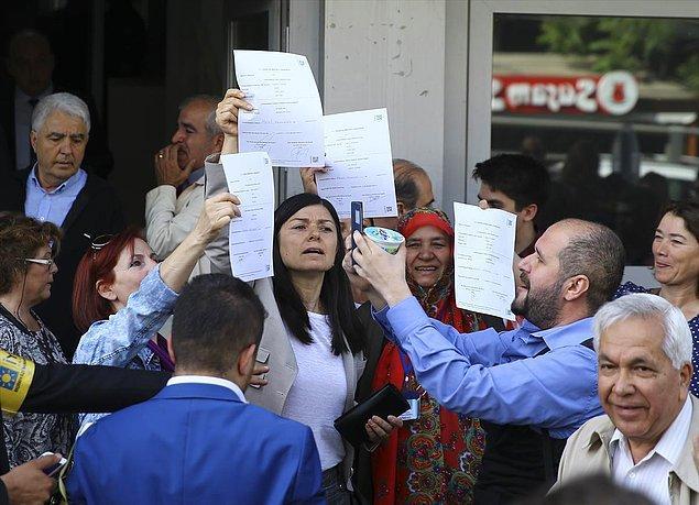 İYİ Parti Genel Sekreteri Aytun Çıray da ilk günden 100 bin imzanın üzerine çıkıldığını söyledi.