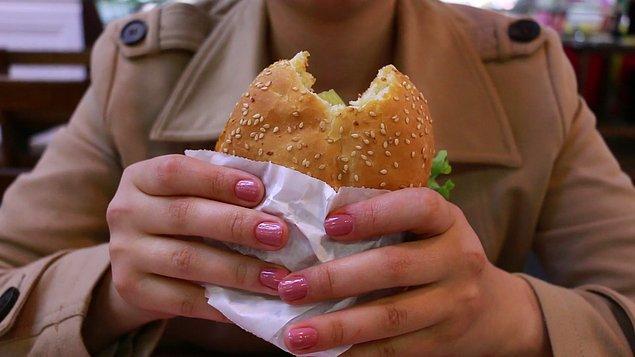 Meyve tüketimi artırılmalı fast food azaltılmalı.