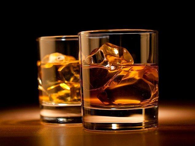 Avrupa Birliği'ne üyelik müzakereleri sürecinde yüksek alkollü içecekler üzerindeki özel tüketim vergisinin eşitlenmesi taahhüdüne ilişkin yapılan son düzenleme ile rakı, cin, votkanın asgari maktu vergi oranı arttı, likör, şarap ve viskide düşürüldü.