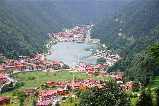 Trabzon'un simgesi Uzungöl'de turistlerin ilgisi nedeniyle otel, apart otel gibi yapıların sayısında büyük artış yaşanmıştı.