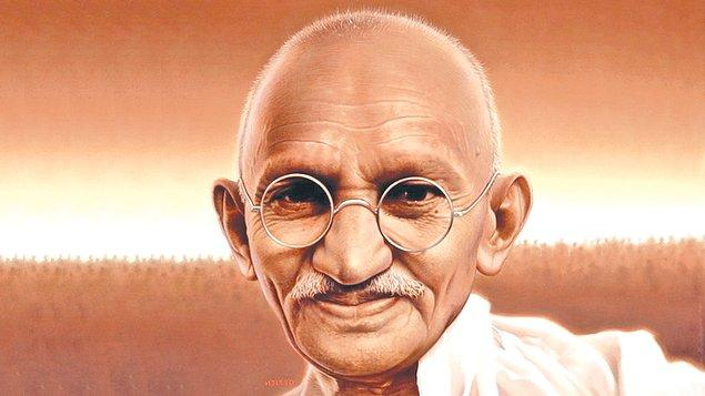 7. Gandhi tuvalet konusunda aşırı rahattı!