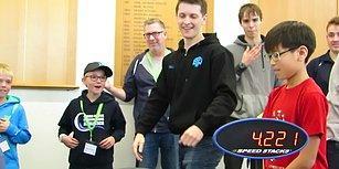 4.22 Saniyede Rubik Küpü Çözen Gençten Yeni Dünya Rekoru