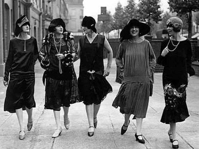 2. 1920'lere damgasını vuran maskülen vücut tipi: Flapper