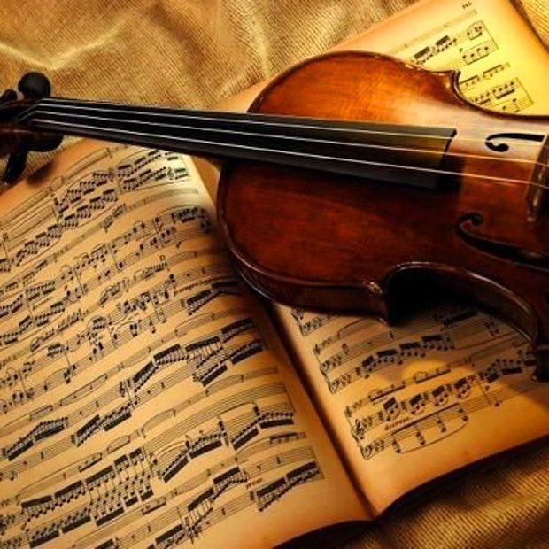 Klasik müzik çalsın, sakin bir düğün olsun.