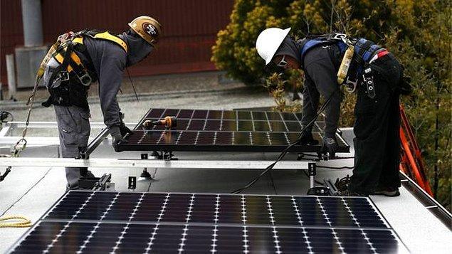 Şimdi de 1 Ocak 2020'den sonra inşa edilecek tüm müstakil ev ve apartman dairelerinde güneş enerjisi panelleri zorunlu kılındı.