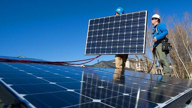 Eyalet daha önce 2030 itibariyle tüm hanelerde kullanılan elektriğin yüzde 50'sinin karbon salımına yol açmayan kaynaklardan gelmesini şart koymuştu.