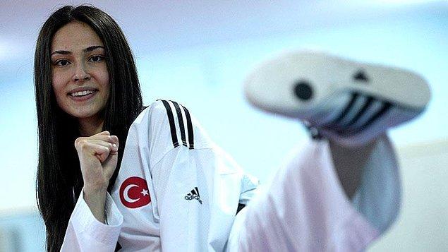Rusya Federasyonu'na bağlı Tataristan Cumhuriyeti'nin başkenti Kazan'da düzenlenen şampiyonada kadınlar 62 kiloda tatamiye çıkan İrem, finalde İspanyol Marta Calvo Gomez ile karşılaştı.