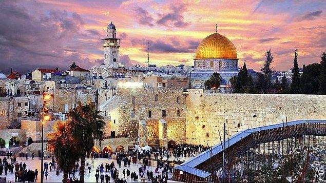 Avrupa Birliği, ABD'nin Büyükelçiliğini Kudüs'e taşıma kararına itiraz etmişti ve çoğu AB ülkesinin büyükelçisi törene katılmadı.