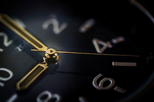 7. Rusya'da 11 farklı saat dilimi vardır. Bir tarafında sabah 7 iken, diğer tarafında akşam 6 olabilir.