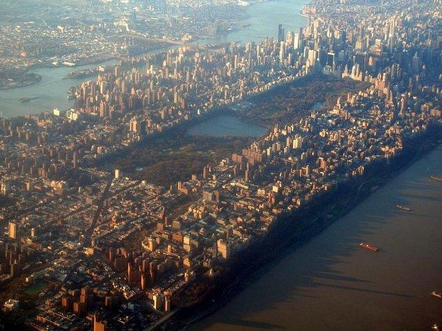 17. New York'daki Central Park, gerçek bir ülke olan Monako'dan daha büyüktür.