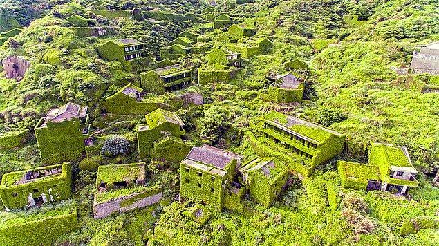 9. Terkedilen bir balıkçı köyü...