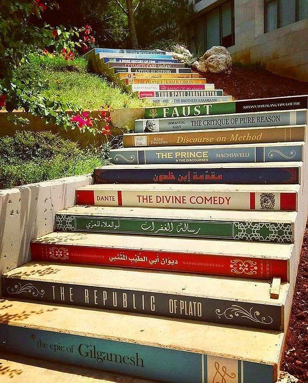 21. Lübnan Balamand Üniversitesi'nin merdivenleri.