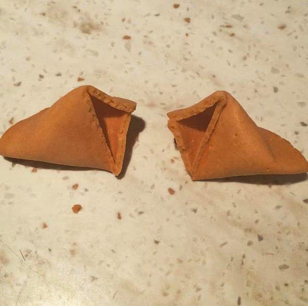 5. Çin restoranındaki yemeğinizi mutlu bitirmenize engel olacak fal kurabiyelerini yapan kişi...