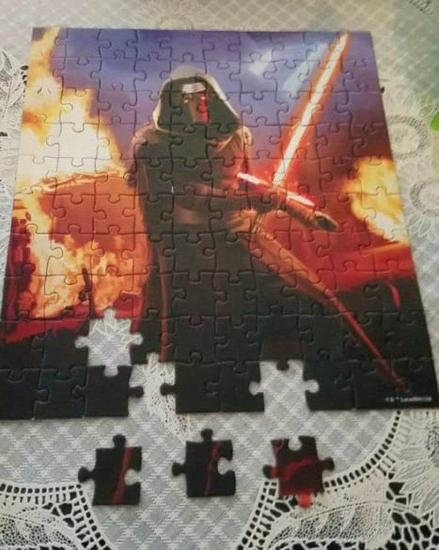 12. İnsanların acı çektiğini görmeye yemin etmiş puzzle yapımcısı...