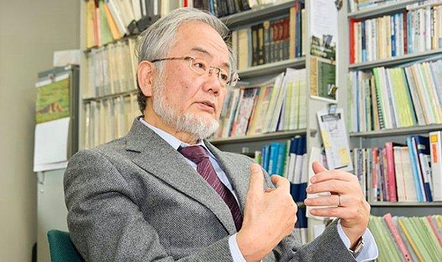 Hatırlarsanız 2016 Nobel Tıp Ödülü'ne, hücrelerin kendi kendini sindirmesi olarak bilinen 'otofaji' alanındaki çalışmasıyla layık görülen Japon bilim adamının bu çalışması oruç ile ilişkilendirilmişti.