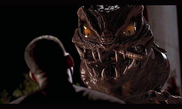 1. Men in Black'daki böcek Edgar.