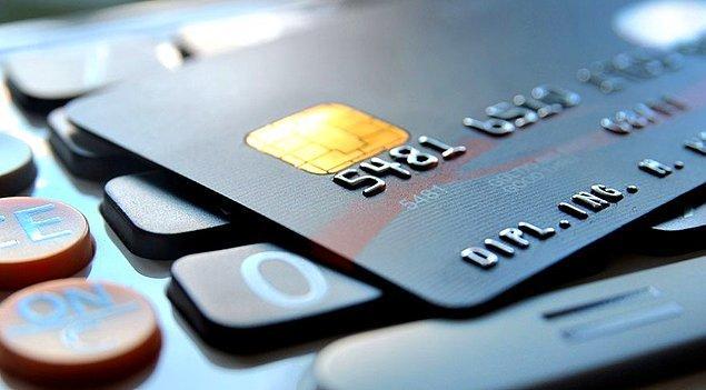 Diğer faktörler %9 oranında etkiler. Sürekli kredi arayışı içinde olmak kredi puanınızı doğrudan düşürmez ancak bankalar nezdinde taleplerinizi olumsuz etkileyebilir.