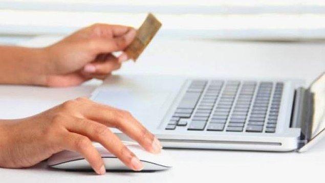 """4. """"Geçmişte ödemediğim kredi kartı borcu yüzünden kredi çekemiyorum"""" ya da """"Kredi puanım sıfır veya 699'un altında"""" diyorsanız bir tavsiyemiz var:"""