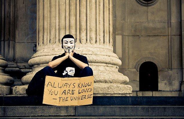 19. Bütün dünyada yaygınlaşmaya başlayan evrensel devrimin kalbinde doğru bir yolculuğa çıkaran 'Occupy Love', milyonlarca insan tek çarenin tüm canlıları içine alacak yeni bir dünya yaratmaktan geçtiğini düşündürtüyor.