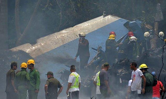 Uçak Havana ile Boyeros arasındaki otoyolun üzerindeyken düştü.