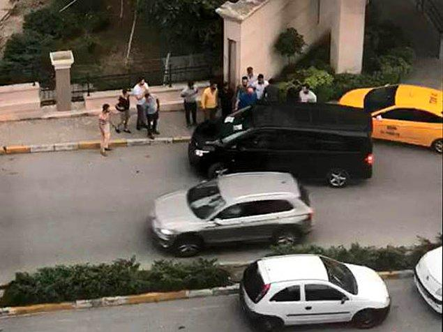 Olayın ardından AVM'nin önünden ayrılan UBER sürücüsü, yolcuları bıraktıktan sonra polis merkezine giderek şikayetçi oldu.