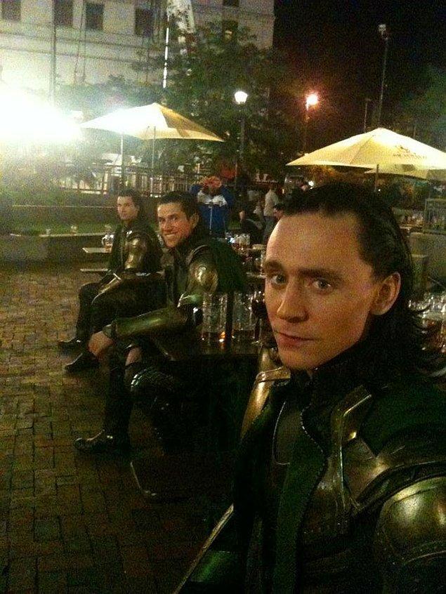 Tom Hiddleston'ın bir değil iki tane dublörü var. 😂