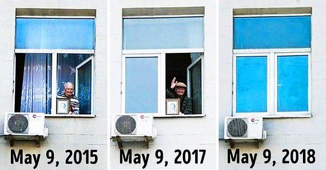 """15. """"Bu yaşlı adam Rusya'nın Zafer Gününü birkaç yıldır annesinin fotoğrafını elinde tutarak bu şekilde kutluyor. Fakat bu sene pencereye çıkamadı. 97 yaşında hayatını kaybetmişti ve 2018 mayısında pencere boş kaldı."""""""