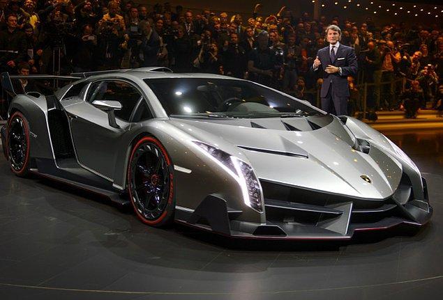12. Lamborghini Veneno (355.6 kms)