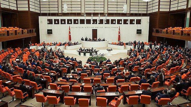 Halen vekil olan 149 isim ise 24 Haziran milletvekili aday listesinde yer bulamadı. Listede 126 kadın aday gösterildi.