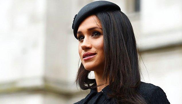 Gazetelerden biri ise Meghan Markle'ın Kraliyet ailesi üyesi olarak yapacağı çalışmaların kadın - erkek eşitliği üzerine olacağını yazdı.