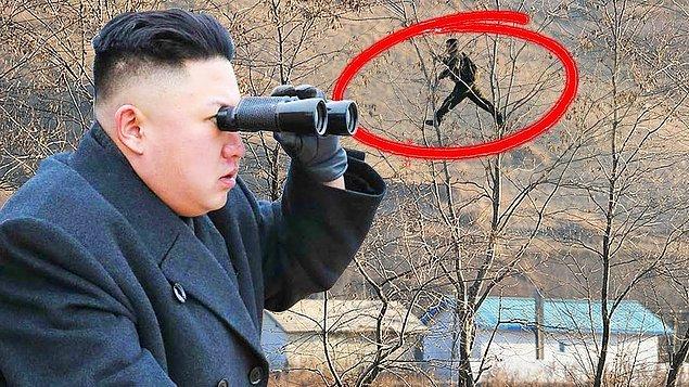 8. Sadakatsizliğe tahammülleri yok, ülkeden kaçmaya çalışmak ise en büyük sadakatsizlik örneği... O yüzden Kuzey Kore'den kaçmak da kesinlikle ve kesinlikle yasak!