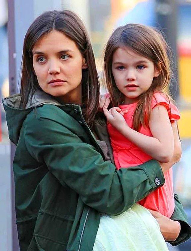 15. Katie Holmes ve kızı Suri Cruise
