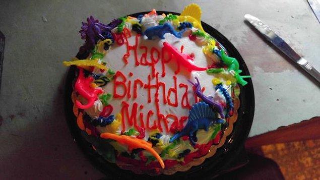 """9. """"Bugün 31 yaşını bitirdim ve annemin bana hazırladığı pasta bu."""""""