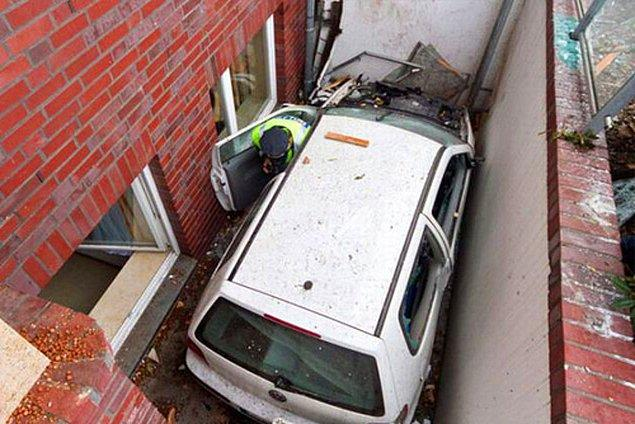 9. Polis arabalarının beyin gücüyle havaya kalkamayacağını öğrenmiş oldunuz: