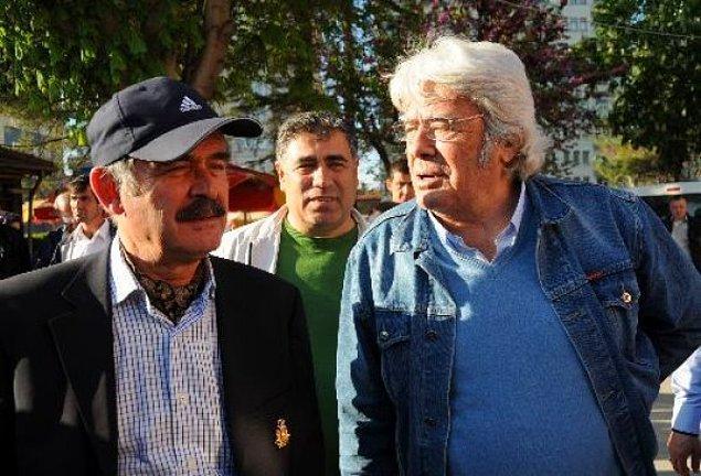 1. Cüneyt Arkın ile Eskişehir Büyükşehir Belediye Başkanı Yılmaz Büyükerşen okuldan arkadaştır.