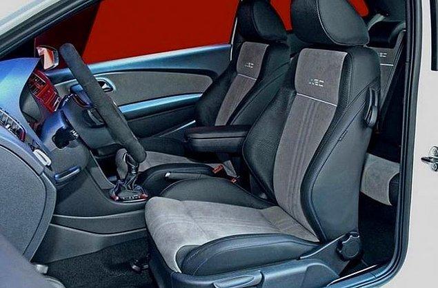 14. Araç koltuklarında bir tek sürücü koltuğunun durmadan kirlendiğini fark edince.