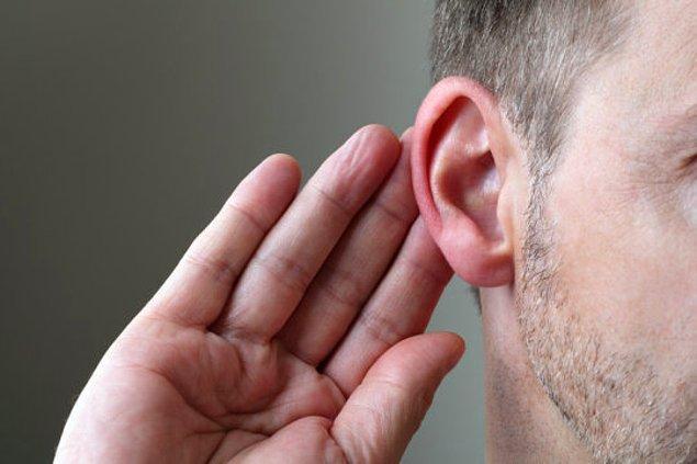 4. İnsanların sadece %22'si kulaklarını oynatabilir.