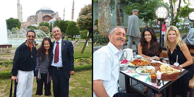 İhsan Abi'yi turistler o kadar çok seviyor ki! Bir gün taksisine Amerikalı bir profesör Bob biniyor. Bob İhsan Abi'ye 10 günlük bir Türkiye turu teklif ediyor ve birlikte yola çıkıyorlar.
