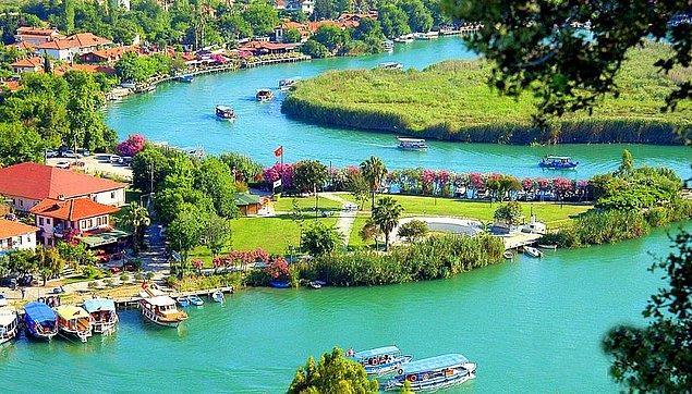 """""""Türkiye'nin En İyi İşi"""" projesiyle seçilecek bir kişi,  1 ay boyunca gezip tatil deneyimlerini sosyal medya aracılığı ile paylaşacak."""