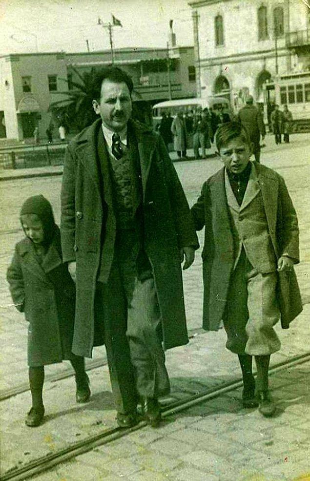14. Oğullarıyla bir baba, Konak (1950'ler)
