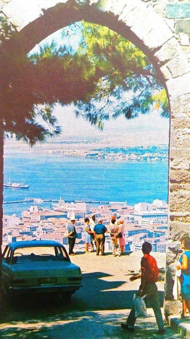 22. Kadifekale'den Körfez'e bakış (1970'ler)